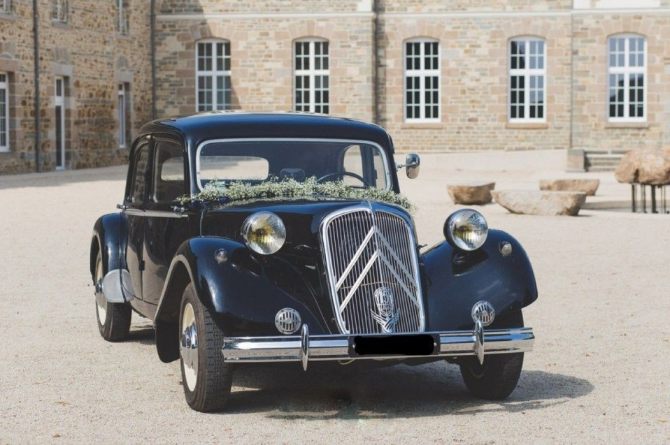 Pour votre mariage, choisissez de vous faire conduire dans une berline Citroën d'exception